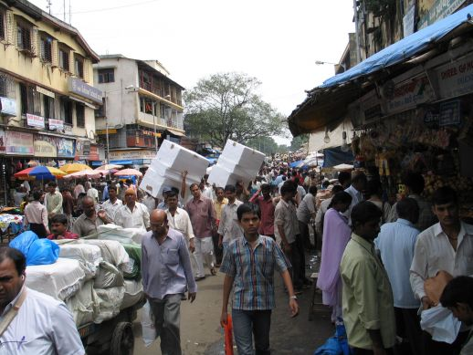 Economic activity in Dharavi Main Road